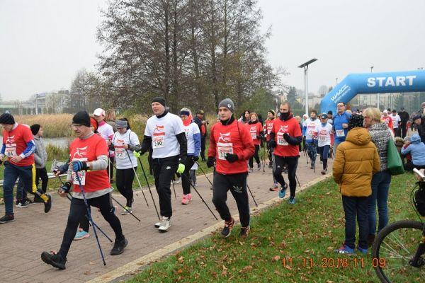 Wałecki Bieg Niepodległości - zawodnicy Nordic Walking wystartowali