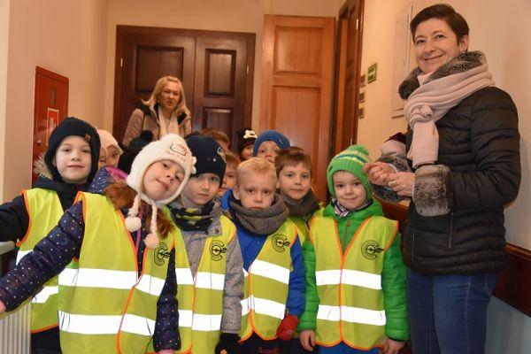Przedszkolaki w urzędzie