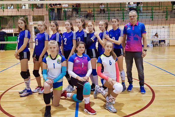 Dziewczyny z UKS Volley Wałcz