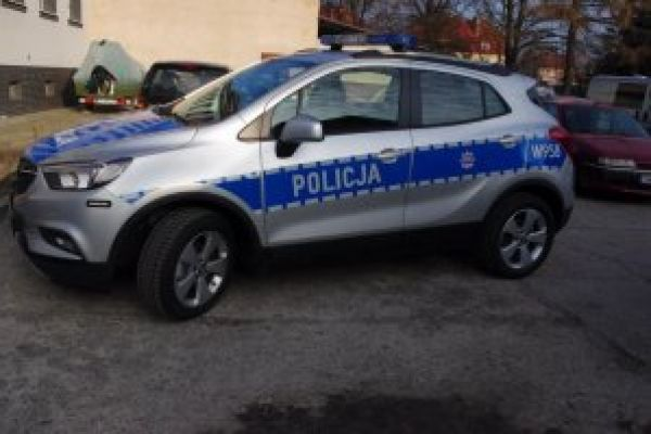 Przekazanie nowego radiowozu Opel Mokka