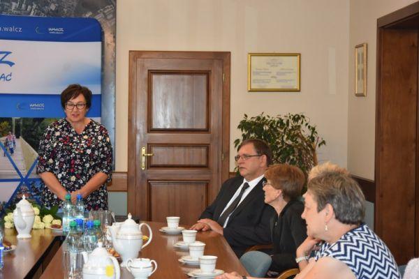 Spotkanie z nauczycielami na sali konferencyjnej