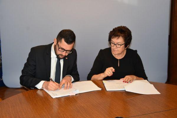 podpisana umowa o przyznanie środków na drogi lokalne